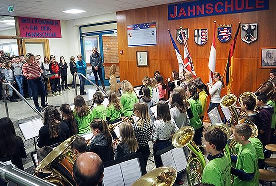 Die Bläsertklasse der Jahnschule in Hünfeld ist einer der ...