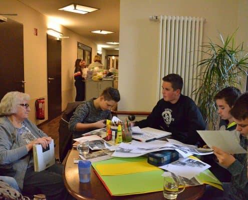 Zeitzeugenbefragung-Projekt: Zeitung in der Schule